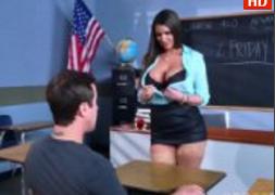 Professora Gostosa ensinando aula de sexo