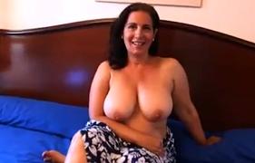 Tia Peituda Fogosa Gravando um Porno Incesto com o Sobrinho