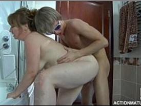 Tia Gostosa Carente metendo com o Sobrinho na lavanderia