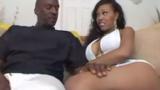 Negra Bunduda Deliciosa Sofrendo em sua Primeira cena de sexo