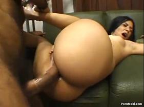 Brasileira da Bunda Grande fazendo sexo anal com o amante pauzudo