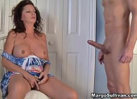 Xnxx Porno com Coroa Bêbada Delirando na pica dura do filhão safadão