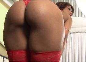 Porno nacional com coroa cavala estreando nessa putaria brasileira