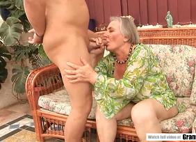 Xvideos granny com uma idosa gordinha botando o pintor pra te foder